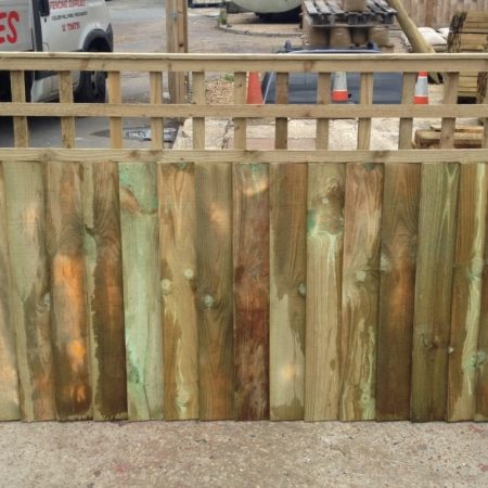 Closeboard panels with built in trellis 6ft x 900mm + 300mm