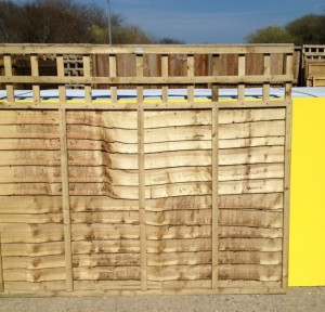 Panels overlap panels with built in trellis 6ft by 4ft by 1ft